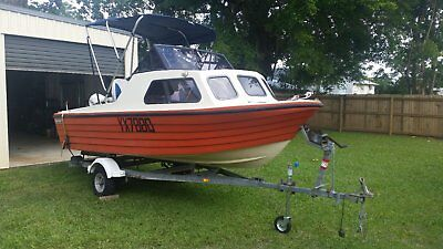 Fishing boat Reef Craft 4.5 meter with near new 50Hp Etec SS prop
