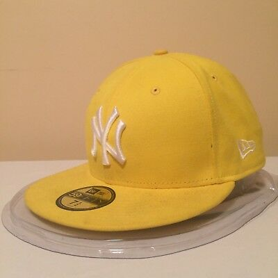 """MLB New York Yankees 7 1/2"""" (59.6 cm) 59FIFTY Fitted Cap by New Era"""