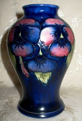 MOORCROFT POTTERY- PANSY Pattern Classic Design Vase 1930\'s, 6 ...
