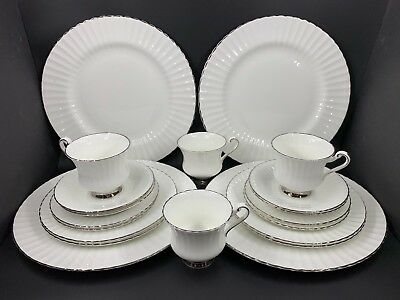 Paragon 497 Chantilly 5 Piece Plate Setting for 4 Bone China England 20 pieces