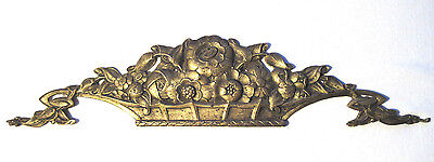 French pediment in bronze, carved from a basket of flowers, XIXth century