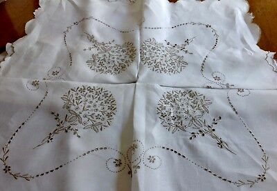 Vintage Fine Linen Ecru Madeira Style Embroidery Pretty Floral Bouquets