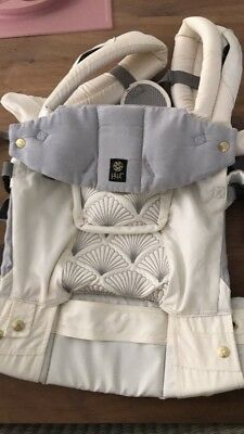 Lillebaby Embossed Complete Luxe Brilliance  6 In 1 Soft Side Baby Carrier