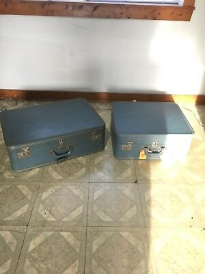 Vintage pair of Antique Oshkosh Green Luggage Suitcases Carry On Travel Bag