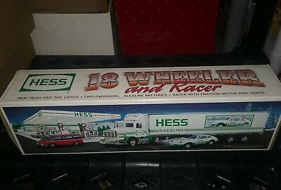 HESS 1992 18 Wheeler Truck and Racer NEW original packaging