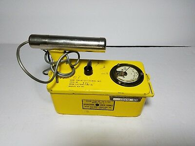 Anton CD V-700 Model 5 Geiger Counter Meter Radiation Detector-Tested Works