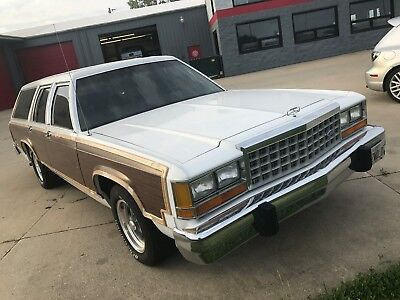 1986 Ford Crown Victoria Country Squire