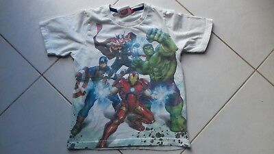 t-shirt Avengers Marvell  taille 6 ans