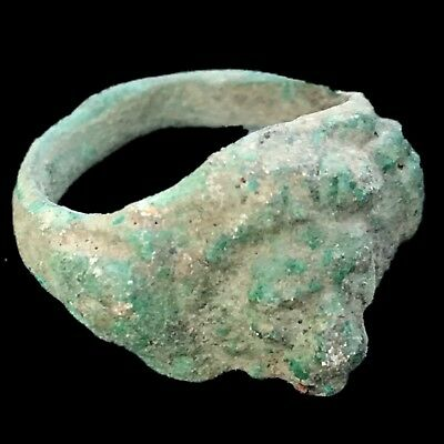 Very Rare Ancient Roman Bronze Bust Ring  200-400 Ad (2)