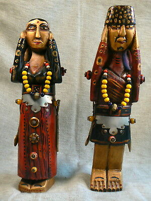 Nepali pair of statuettes man and woman / pareja estatuillas / paio statuette