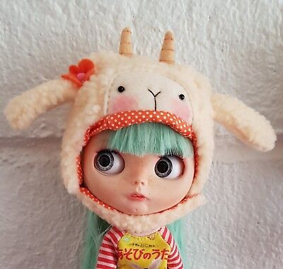 Neo Blythe Doll Baby Goat Hat By LaLaTroop