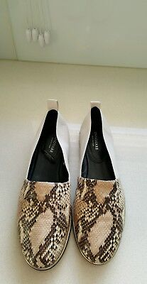 Lady's leather Innovare flat shoes, size 39