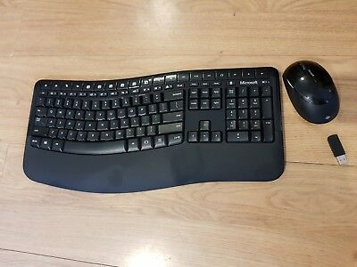 Microsoft Wireless Comfort Desktop 5050 Mouse and Keyboard Wave - PP4-00001