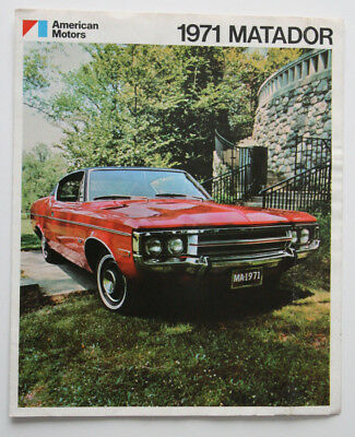 AMERICAN MOTORS MATADOR 1971 brochure sales catalog - English - Canadian MARKET