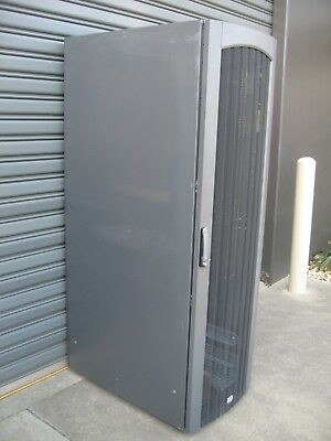Hp 42Ru Mobile Communications Cabinet, Server Rack