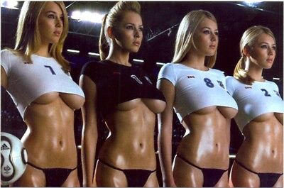 Keeley Hazell - Standing Up With 3 Other Girls - Half Shirts And Bottoms