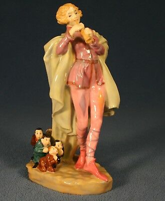 Royal Doulton  Figurine -- The Modern Piper -- Hn 756