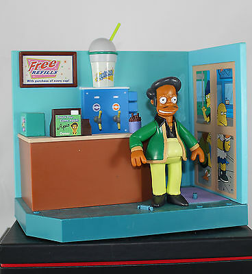 Die Simpsons World of Springfield Kwik-E-Mart + Apu Diorama interaktiv sehr gut