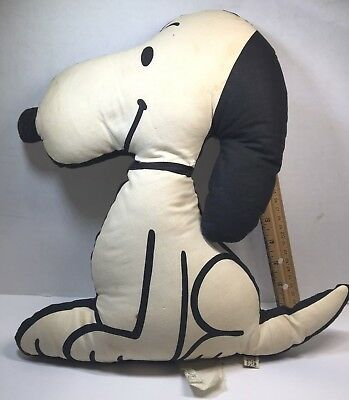 """VINTAGE SNOOPY STUFFED TOY, RARE 1963 tagged UNITED FEATURES SYNDICATE 14"""""""