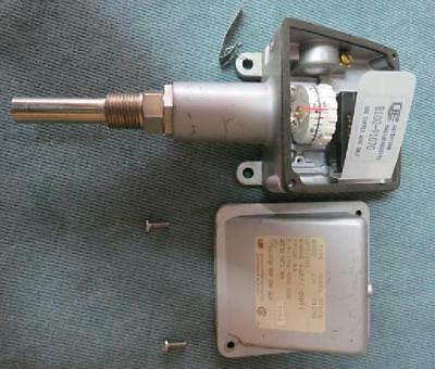 United Electric Controls Model B-100 Temperature Switch