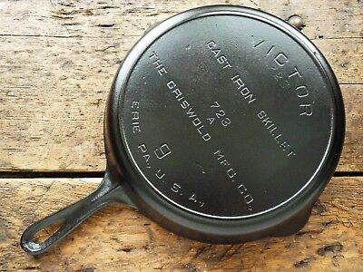 Vintage GRISWOLD Cast Iron SKILLET Frying Pan # 9 VICTOR Ghost Marks - Ironspoon