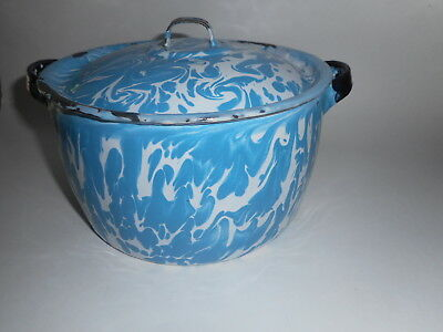 Antique Blue White Swirl Graniteware Enamelware 10 Cup lidded cooking Pot