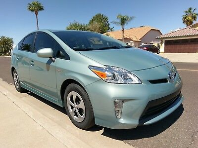 2012 Toyota Prius TWO 2012 Toyota Prius Two ONLY 1050 MILES, 1 OWNER CLEAN TITLE NO ACCIDENTS like new
