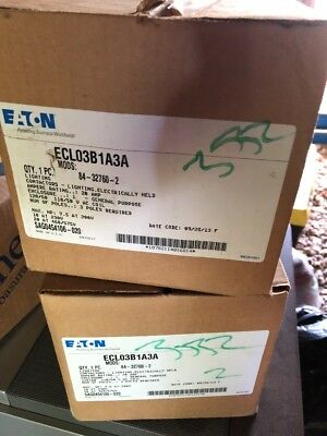 EATON CUTLER HAMMER ECL03B1A3A Mods: A35 Electrically Held Lighting Contactor