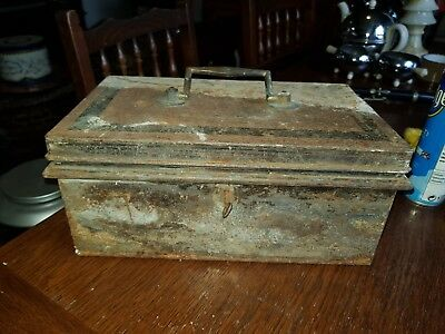 Vintage Shabby Chic Lockable Metal Box