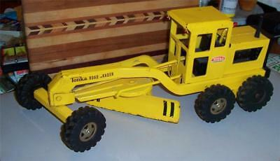VINTAGE 1960's  PRESSED STEEL TONKA ROAD GRADER TOY TRUCK RUBBER TIRES VERY GOOD