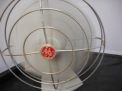 Vintage 1950's GE General Electric Oscillating Desk Fan F11S107 w/ Original Box
