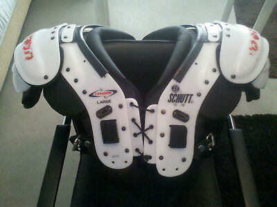 American Football Shoulderpad Schutt Typhoon