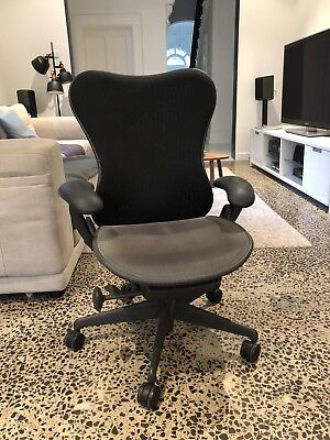 Herman Miller Mirra Chair - Excellent Condition