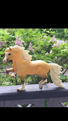 433981 Reeves Breyer Horse #979 Sunny Boy Welsh Cob Palomino Gorgeous & boxless
