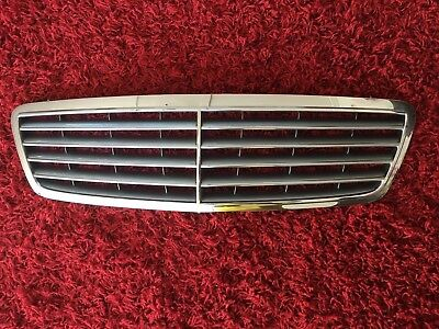 Frontgrill Grill Kühlergrill Mercedes C180-320 W203 00-07