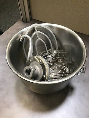 20 QT Mixing Bowl and Accessories