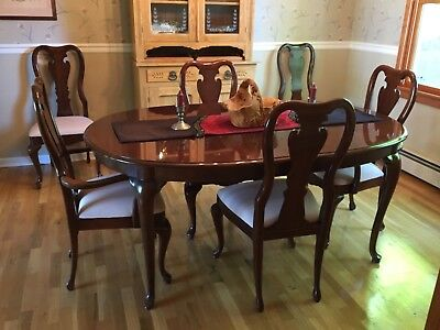 THOMASVILLE SOLID CHERRY Dining Room Table and Six Chairs ...