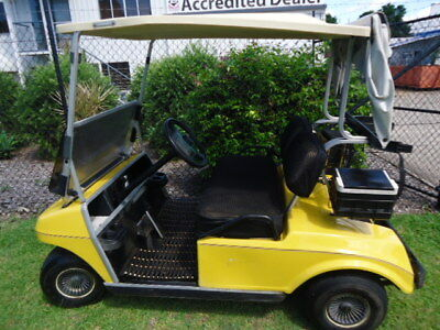 GOLF BUGGY / CART 1993 CLUB CAR DS - Goes well - Good Batteries