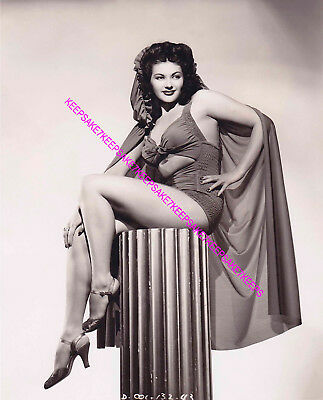 "Actress Yvonne De Carlo ""Lily Munster"" Lovely Legs And Feet Leggy Photo A-Yd6"