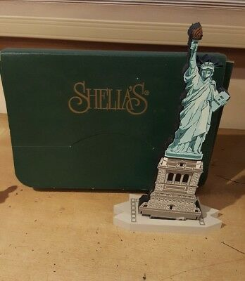 Sheila's Collectibles Wooden Made in USA New W/Original Box Statue of Liberty 3D