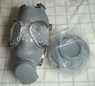 New NATO M9 style Military Gas Mask & SEALED 40mm Filter