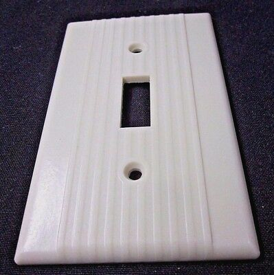 Vintage Leviton Ribbed Lines Ivory Bakelite Switch Toggle Plate Wall Cover Deco