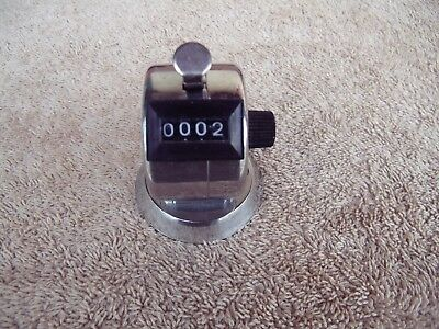 Dayton Hand Activated 4 Digit Tally/Counter 1A189A, Bench Top Mounting