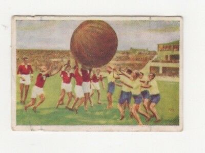 Griffiths Confectionery Sports card - Germany: Push Ball in the Berlin Stadium