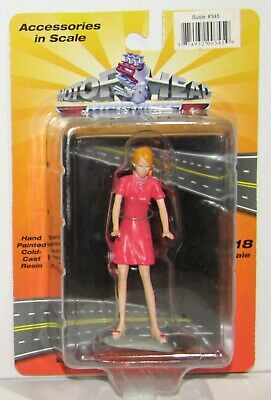 1:18 Motorhead Miniatures Susie Pink Dress Figurine #345