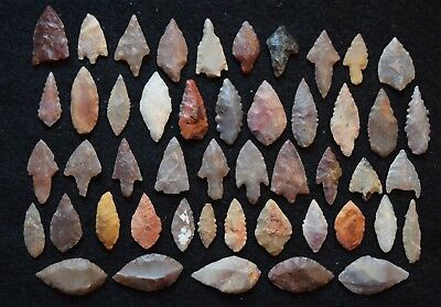 48 small, common Sahara Neolithic stone tools, projectile points/scrappers