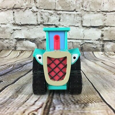 "Bob The Builder Travis The Tractor 3.5"" Tall Talking Figure Hasbro 2001"