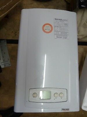 GLOW WORM COMBI boiler Ultracom 30cxi Natural Gas 8 years old ...