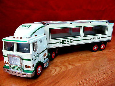 Look: Two Hess Tractor Trailer Trucks 1992 & 1997 Good Condition