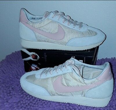 new product 89fff 7835c Vintage Nike Oceania Waffle Running Shoes Womens 1983 Nylonleather Size 7.5